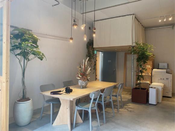 福岡オフィスの打ち合わせスペースの写真