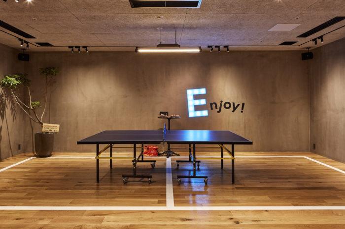 リバヨンアタックの店内に設けられた遊びスペースの写真