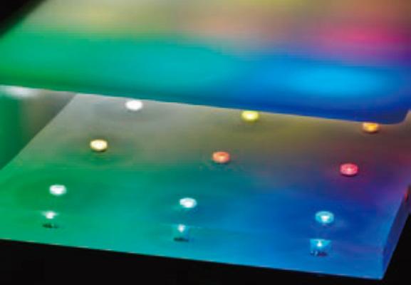 アクリルの体積と使用するLED光源の数が考えて配置されているイメージ写真