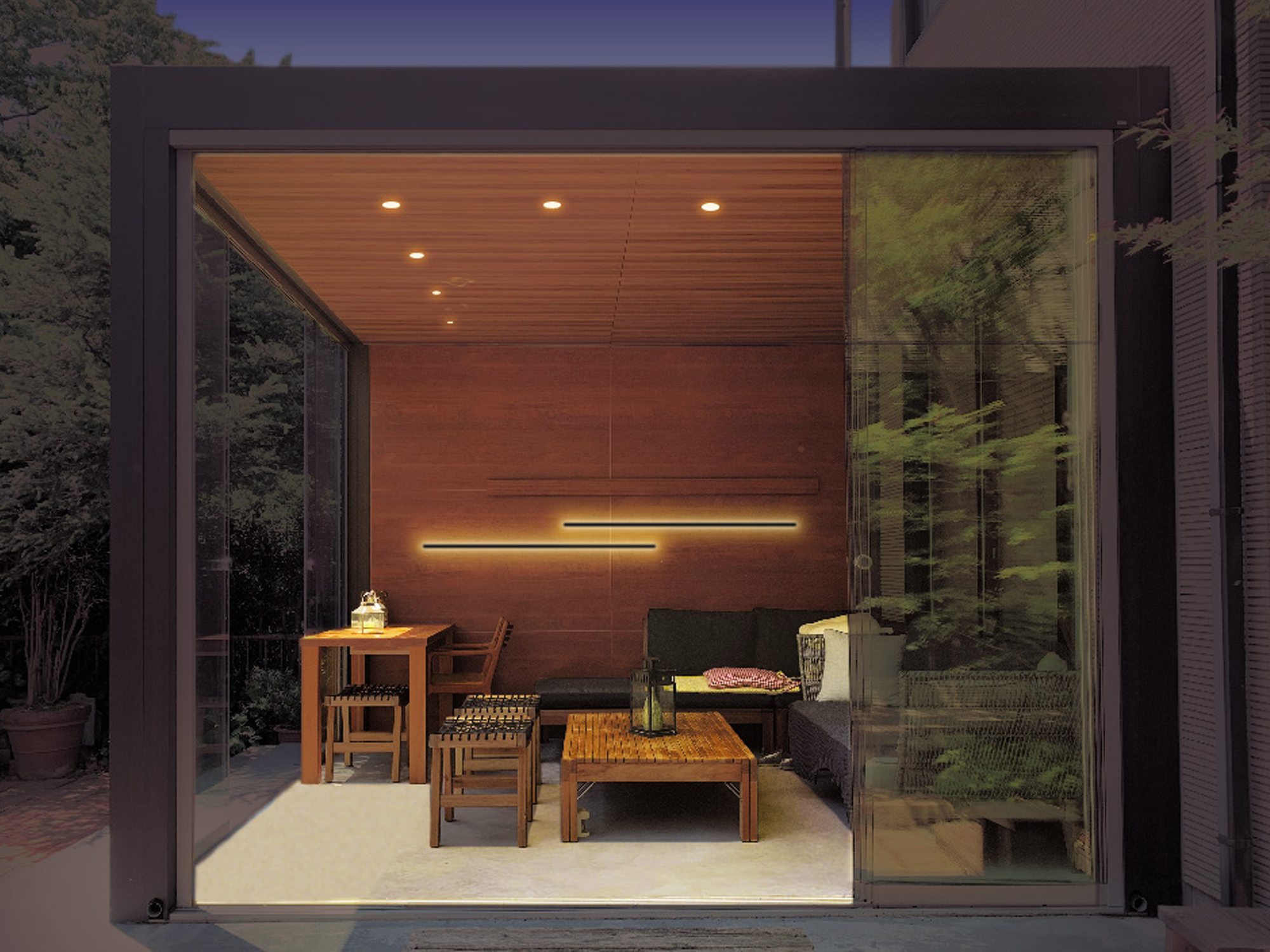 5thROOMにラインウォールライトを装飾的な間接照明として取り入れた例