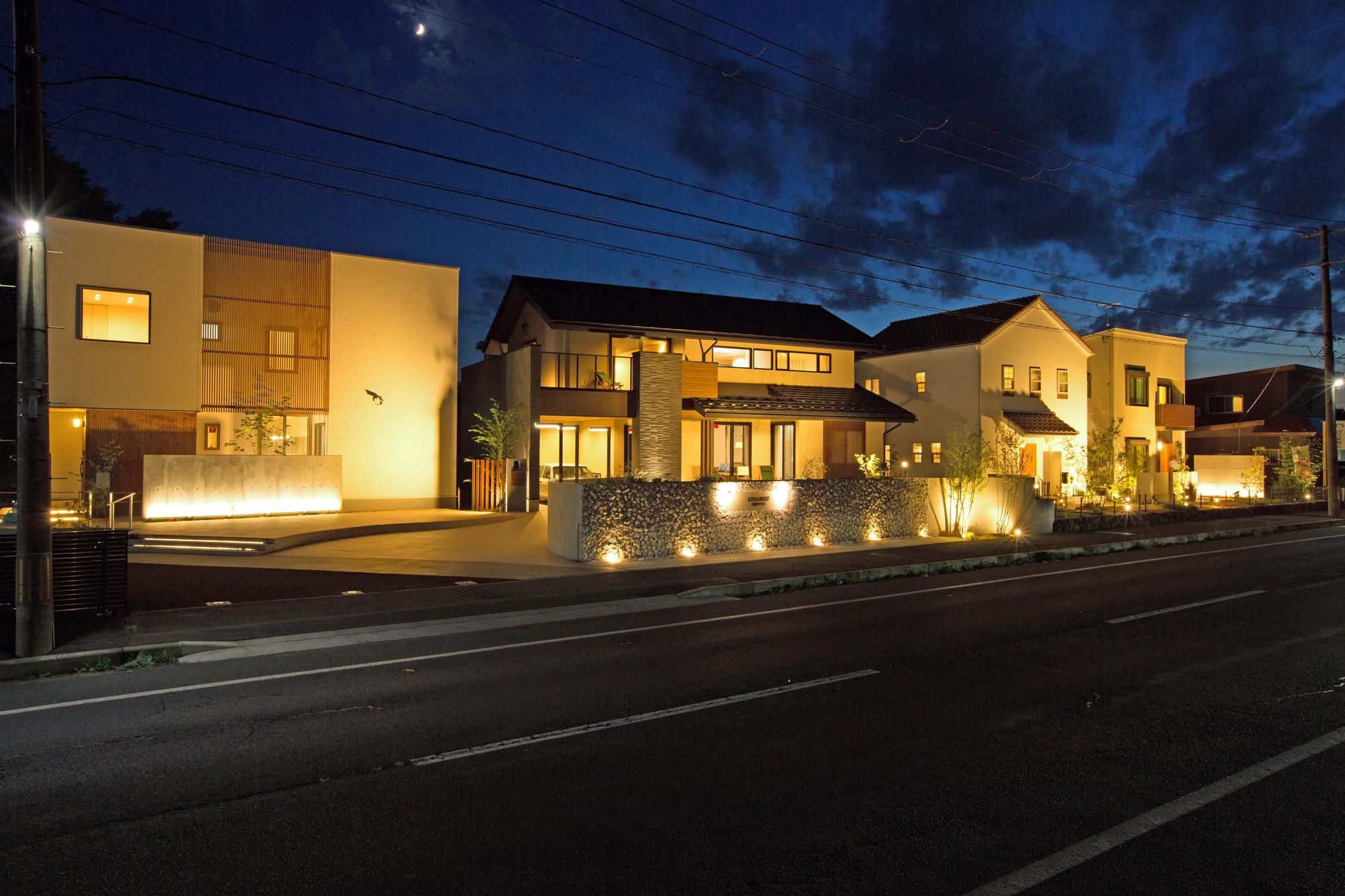 照明を上手にコーディネートした住宅のイメージ写真