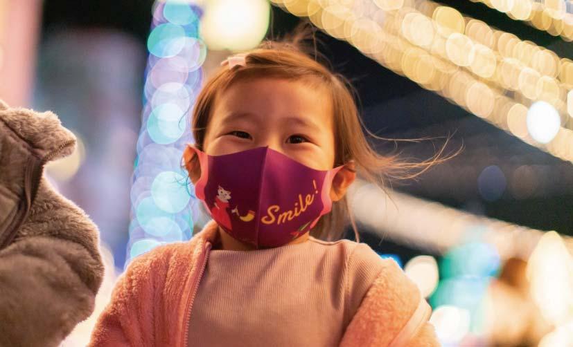 フェスタルーチェを楽しむ子供の写真