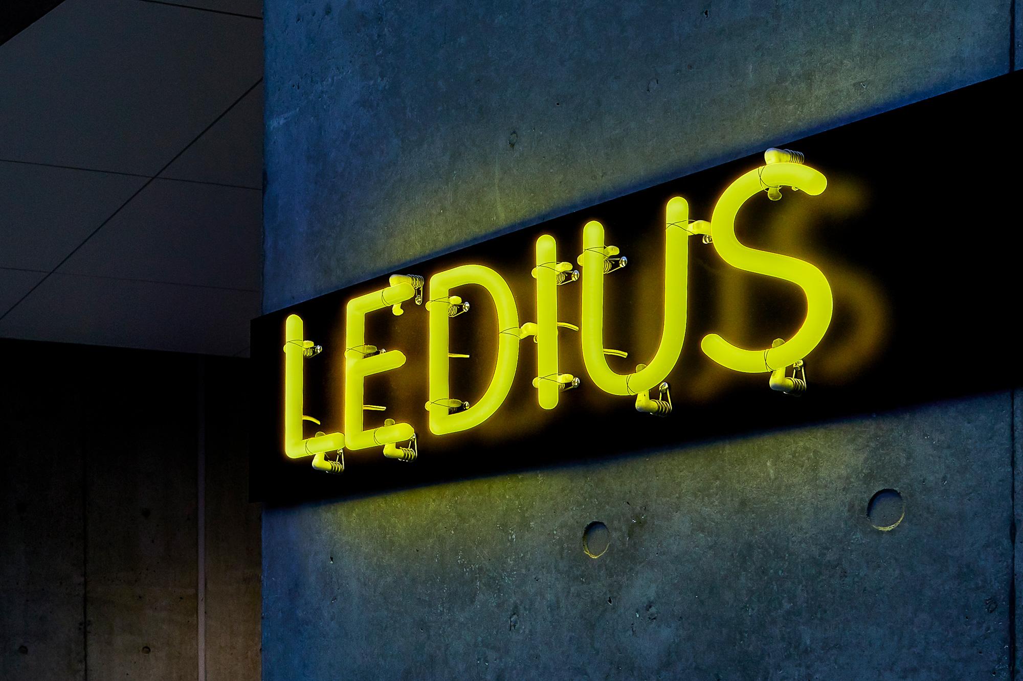 LEDIUS SIGNで表現された最近のLEDサインの写真