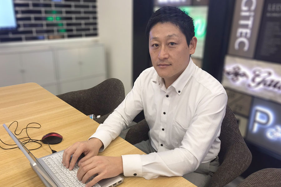 LEDIUS Lighting Division / Overseas Business Division Takashi Suzuki