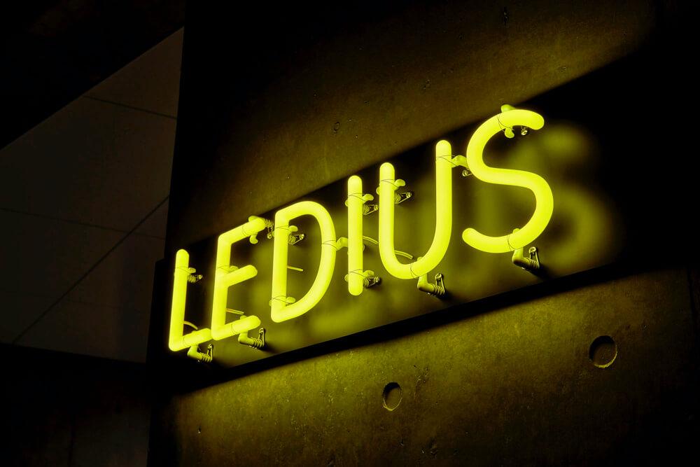 LEDサイン、LED看板のLEDIUS SIGN NEON 360 カラーの施工事例