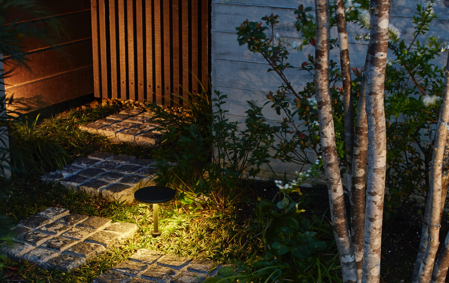 ガーデンパススタンドライト 1型