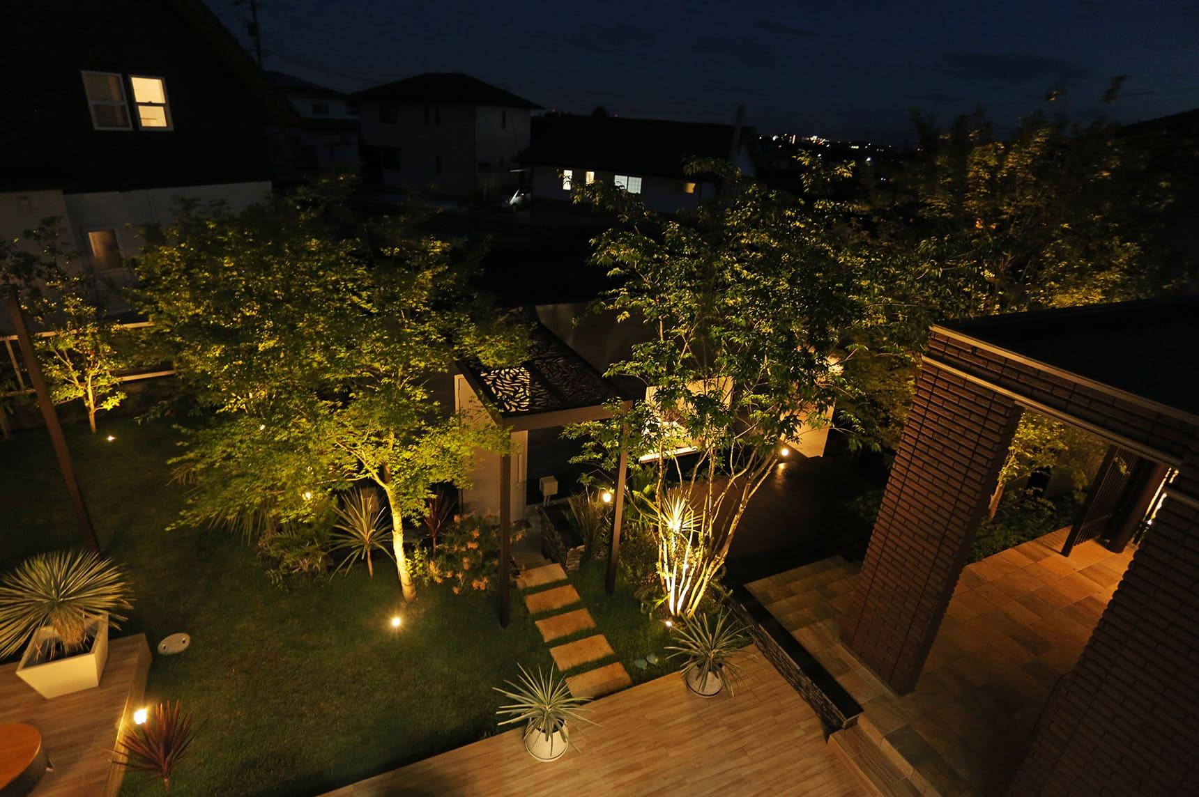 ガーデンアップライト3