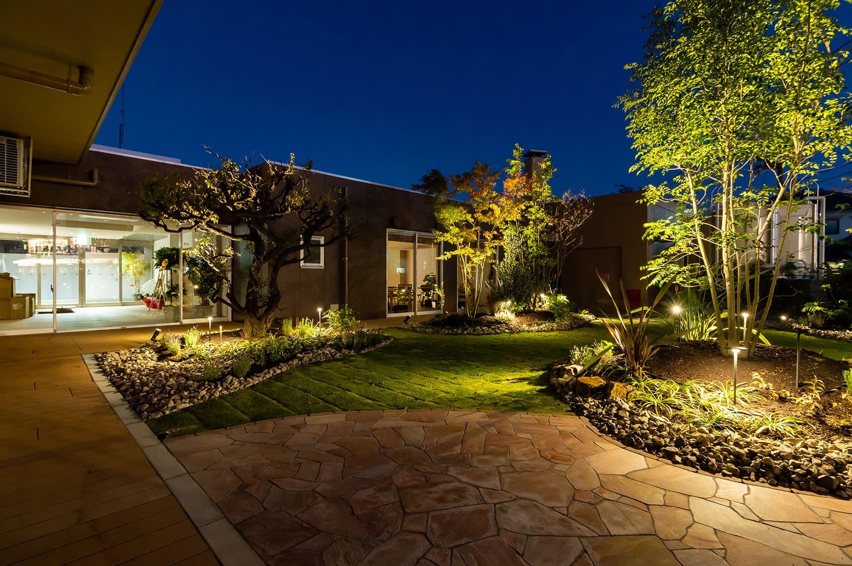 ガーデンアップライト5