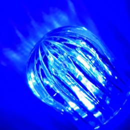 発光色 青