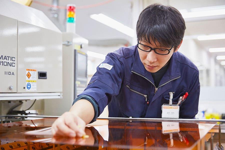 LEDIUS コントラクト事業部/ サイン部門/ 製造部/ マシン加工チーム 追田 裕矢